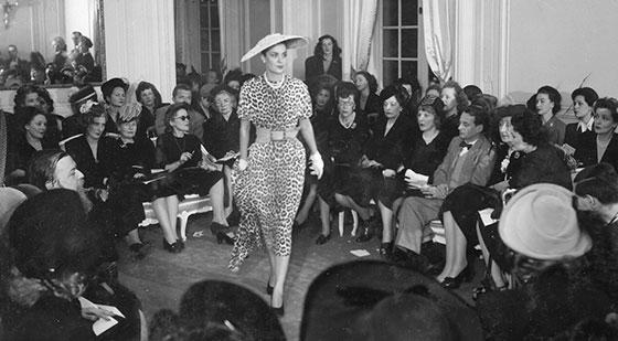 Pokaz premierowej kolekcji Diora, 12 lutego 1947 r.