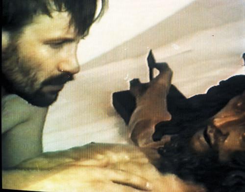 """18. Jacek Markiewicz, """"Adoracja Chrystusa"""", kadr z filmu, 1992. Dzięki uprzejmości artysty."""